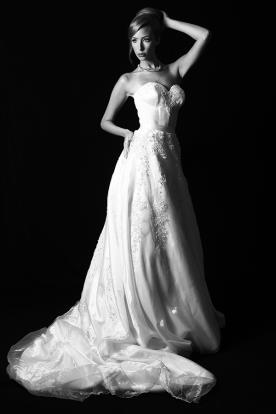 שמלת כלה מחוך וחרוזים