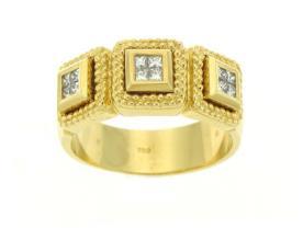 טבעת אירוסין מרובעת זהב צהוב
