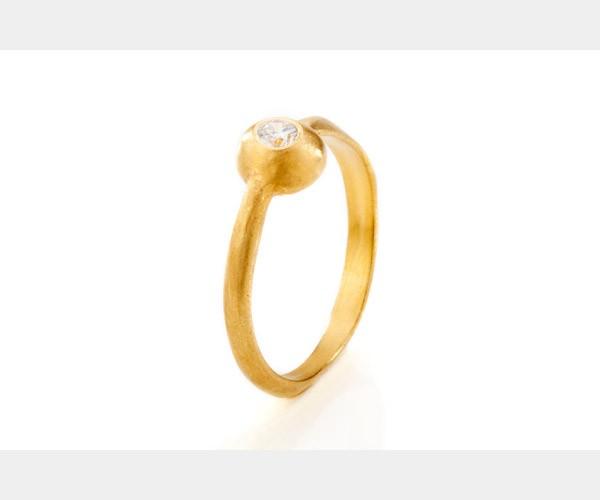 טבעת אירוסין יהלום עדין