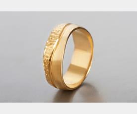 טבעת נישואין אסימטרית ייחודית