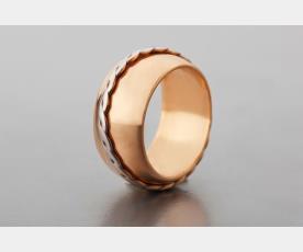 טבעת קלועה מזהב אדום