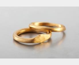 זוג טבעות נישואין לכלה