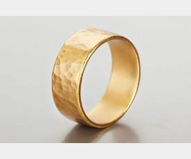 טבעת זהב רקועה עדין