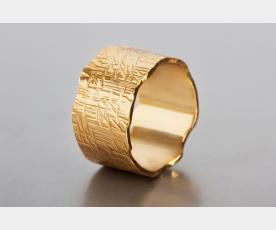 טבעת נישואין שוליים משוננות