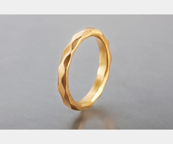 טבעת נישואין גלית לחתן
