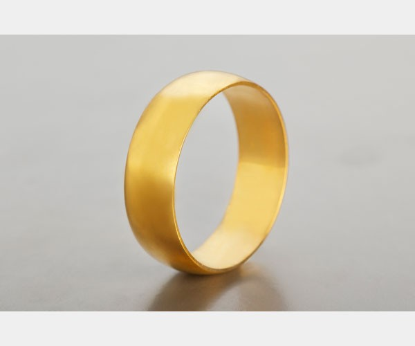 טבעת נישואין חלקה עשויה זהב