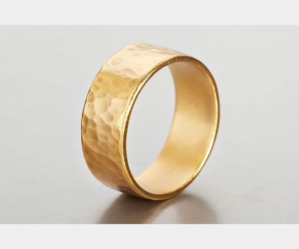 טבעת נישואין רקועה לחתן