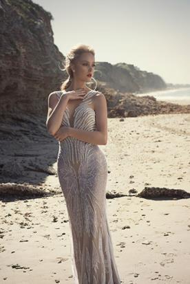 שמלת כלה מחורזת שקופה