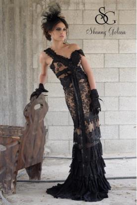 שמלת ערב שחורה תחרה וקפלים