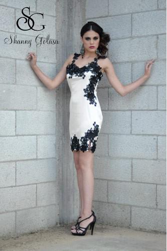 שמלת ערב מיני לבנה תחרה שחורה