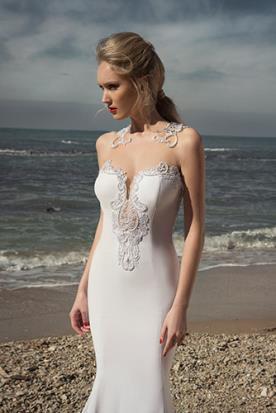 שמלות כלה מחשוף תחרה וסאטן