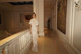 שמלת כלה בעיצוב גיאומטרי