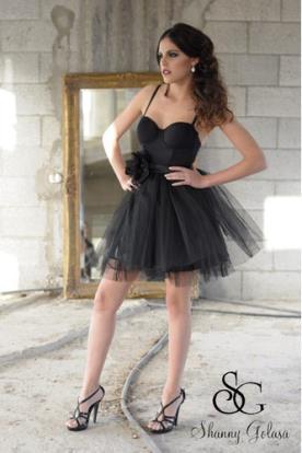 שמלת ערב שחורה טול ופרח בחגורה
