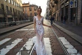 שמלת כלה רקמת תחרה בצורת עלים