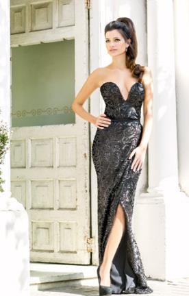 שמלת ערב שחורה עיטורים ושסע