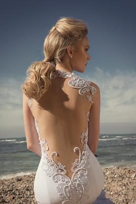 שמלת כלה גב פתוח תחרה מחורזת