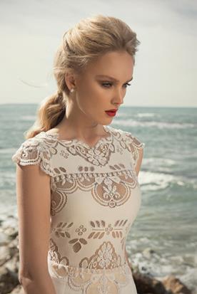 שמלת כלה תחרה מיוחדת רקומה