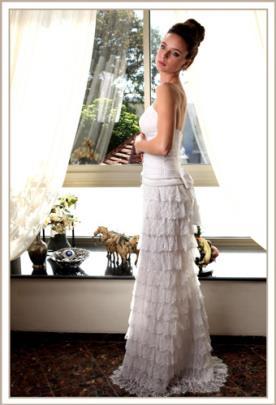 שמלת כלה סטרפלס קומות תחרה