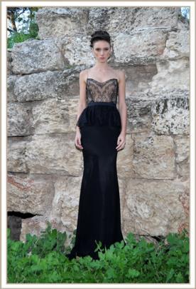 שמלת ערב סטרפלס פפלום שחורה