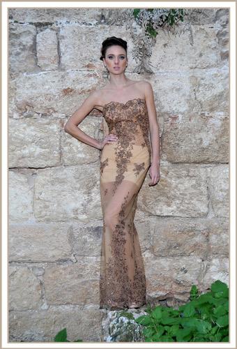 שמלת ערב סטרפלס תחרה זהב