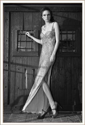שמלת ערב חרוזים עם שסע