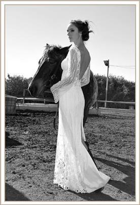 שמלת כלה מחורזת עדינה גב חשוף