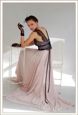 שמלת ערב תחרה שחורה וורוד