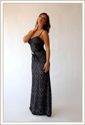 שמלת ערב מקסי תחרה עם חגורה