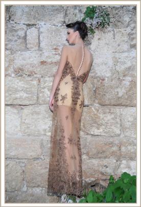 שמלת ערב שמנת וזהב גב כפתורים