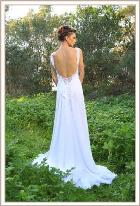 שמלת כלה עדינה גב פתוח תחרה