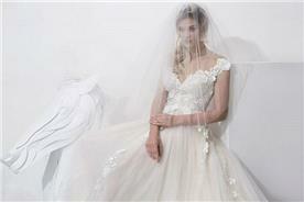 שמלת כלה עם מחשוף וי - יניב פרסי - Yaniv Persy