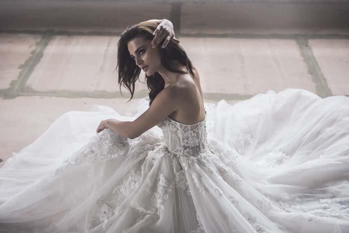 שמלות למידות גדולות