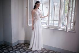שמלת כלה מעוטרת חרוזים עדינים