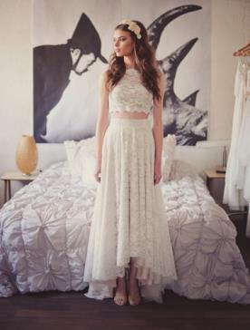 שמלת כלה טופ תחרה וחצאית אסימטרית