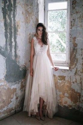 שמלת כלה תחרה ושכבות טול