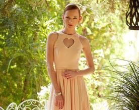 שמלת ערב מקסי עם מחשוף לב