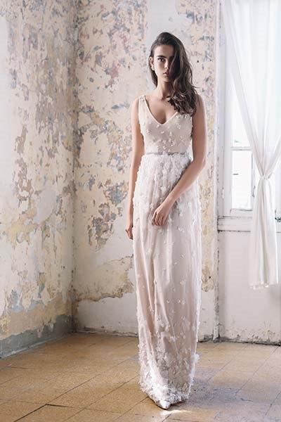 שמלת כלה פרחים וחגורת מותן