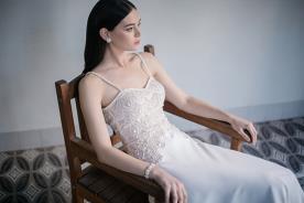 שמלת כלה עם חרוזים עדינים