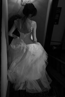שמלה נפוחה אלגנטית לכלה