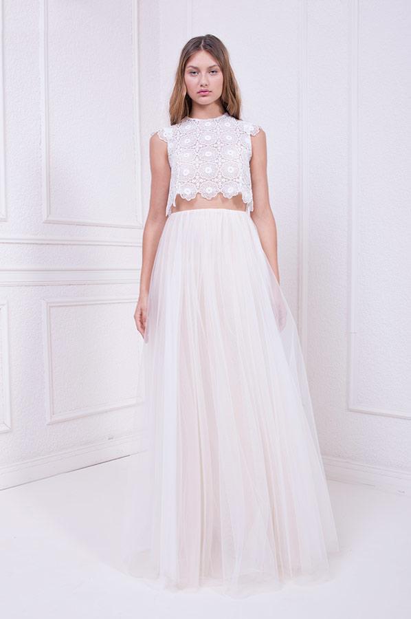 שמלת כלה עם חצאית טול דק