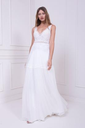 שמלת כלה לבנה בסגנון בוהו שיק