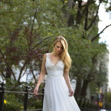 שמלת כלה מתחרה ורשת