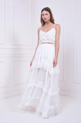 שמלת כלה עם חצאית קומות בקישוט פרנזים