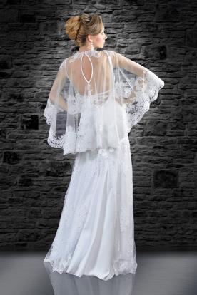 שמלת כלה עם עליונית מעוצבת