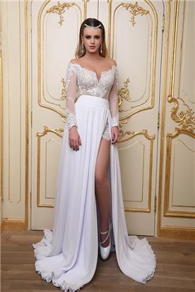 שמלת כלה סטרפלס בשילוב שרוול, עם שסע