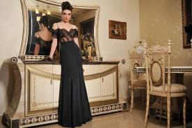 שמלת ערב בגזרה גבוהה מתחרה