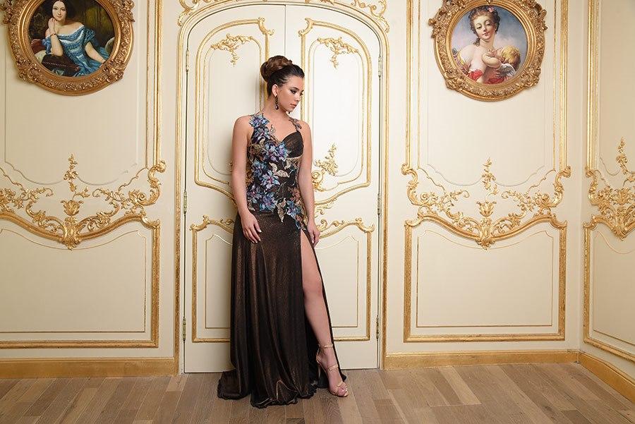 שמלת ערב בשילוב אפליקציה מרשימה