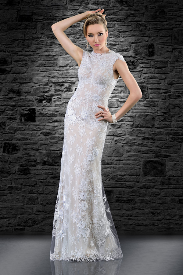 שמלת כלה נסיכותית בדגם קולר