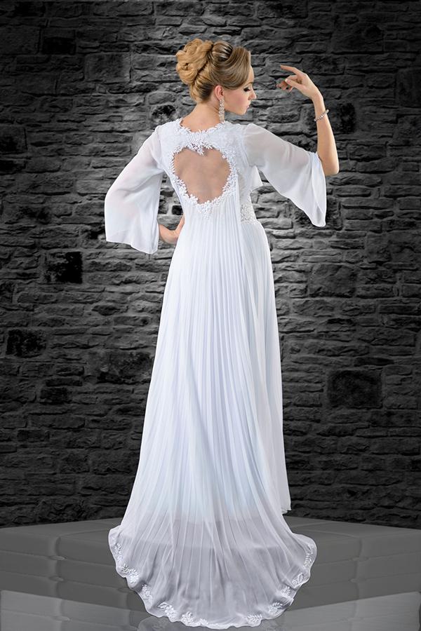 שמלת כלה פליסה עם גב פתוח ושרוולים מתרחבים