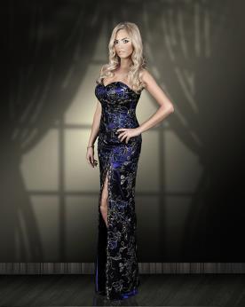שמלת ערב סטרפלס מעוטרת עם שסע